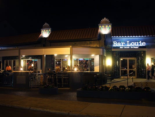 636522322643646545-bar-louie-closing.JPG