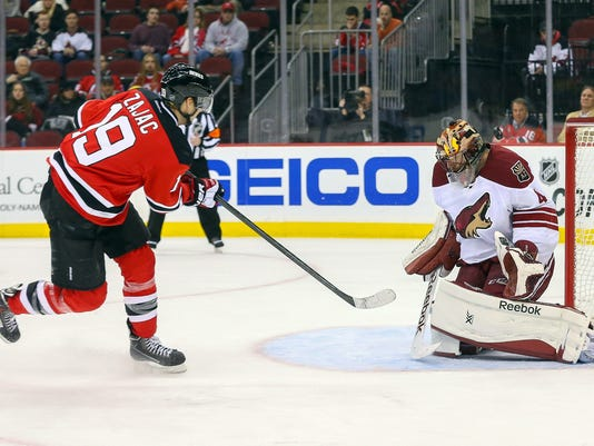 NHL: Arizona Coyotes at New Jersey Devils