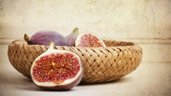 Clay Thompson answers the question: Are figs native to Arizona?