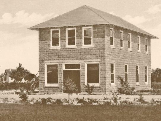 Tuesday morning, Feb.  23, 1915,  the Bank of Stuart