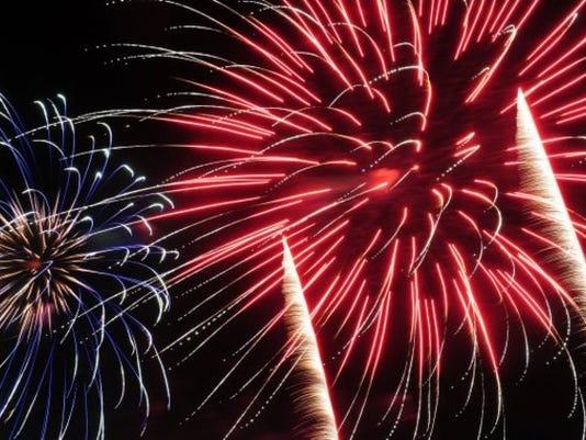fireworks1_6633468_ver1.0_640_480.jpg