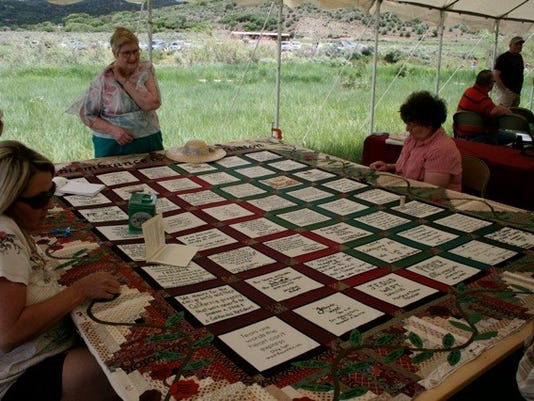 STG mountain meadows quilt01 0214.jpg