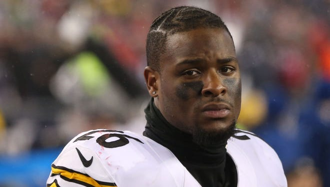 Pittsburgh Steelers running back Le'Veon Bell (26) reacts after the game against the New England Patriots in the 2017 AFC Championship Game at Gillette Stadium.