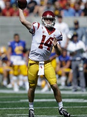 Southern California quarterback Sam Darnold passes against California during the first half of an NCAA college football game Saturday, Sept. 23, 2017, in Berkeley, Calif. (AP Photo/Ben Margot)