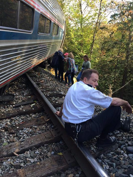 Amtrak train derails