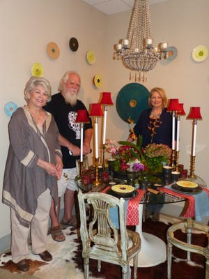 Marilyn Wellan, Randy Broadnax and Janet Ahrens are among artists in River Oaks Table Show.