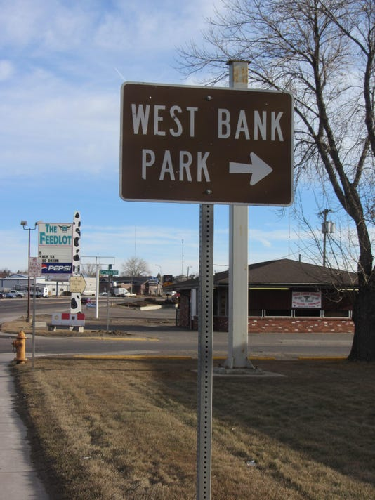 -west bank park sign.jpg_20160212.jpg