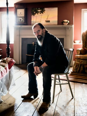 Steve Earle is playing the Ryman Auditorium.
