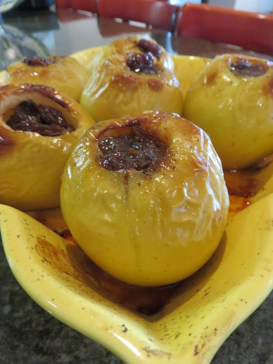 636407274482321530-Baked-Apples-with-Rum.JPG