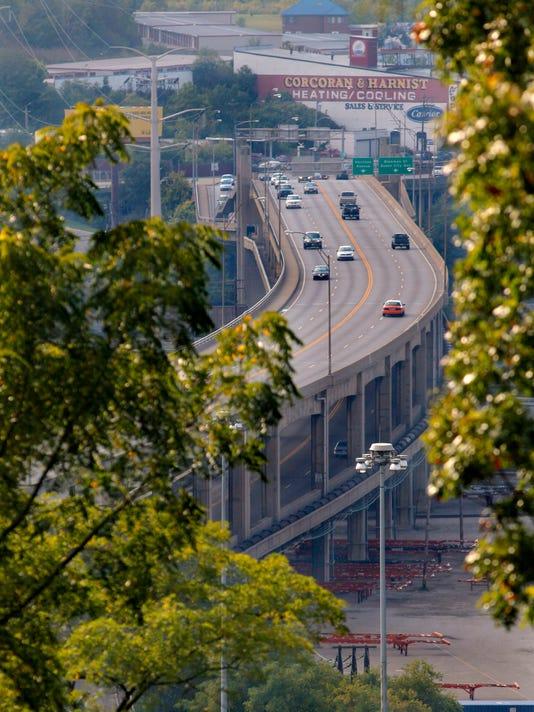 -Western Hills Viaduct 4.jpg_20130930 (2).jpg