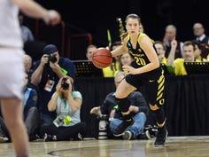 Oregon Ducks women's basketball routs UCLA