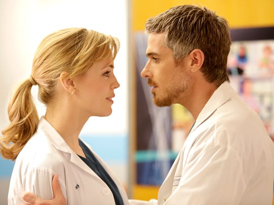 Melissa George as Dr. Alex Panttiere and Dave Annable