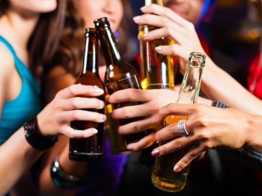 635671150534294567-MCT-LIFE-FAM-ALCOHOL-TE