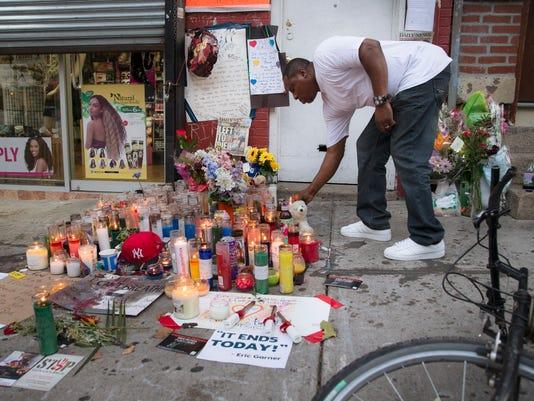 AP POLICE CHOKEHOLD DEATH A FILE USA NY