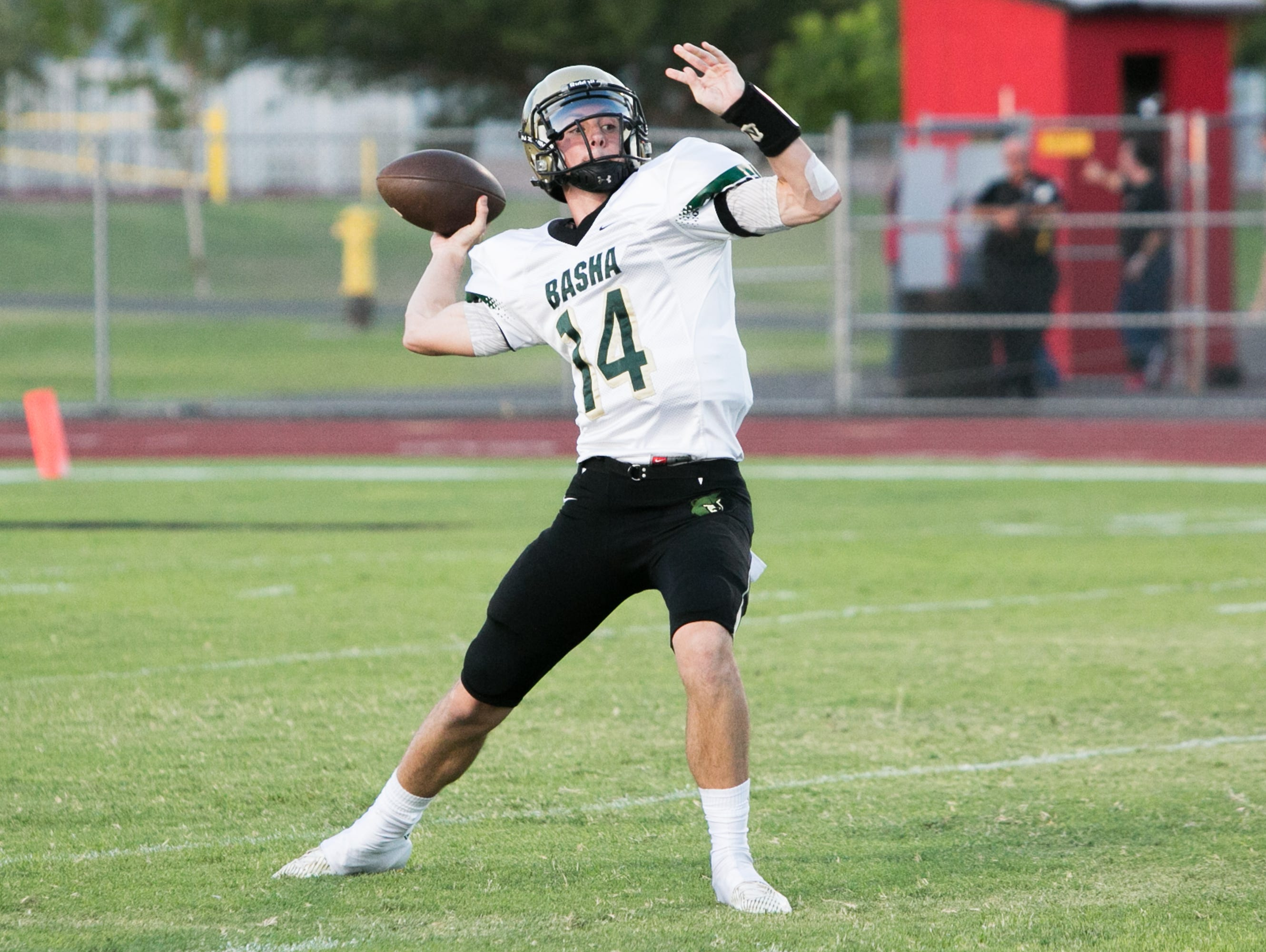 Fresh off an offer from Oregon, Basha junior quarterback Ryan Kelley will see if he can find the same success last year when he led the Bears to victory in his big break-out moment