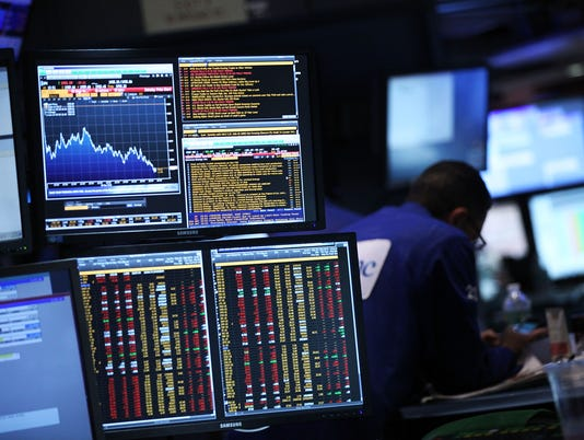 Stocks set for big fall on Wall Street as global growth, Fed worries persist