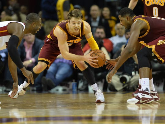 Cavs guard Matthew Dellavedova deserves more pay and has the floorburns to prove it.