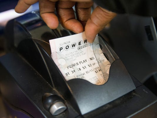 No winners sets up frenzy for $400M Powerball