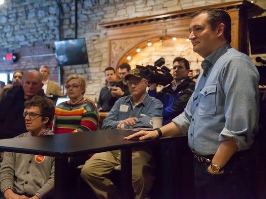 Senator Ted Cruz campaigns at Rustix Restaurant & Event Center in Humboldt, Thursday, Jan. 7, 2016.