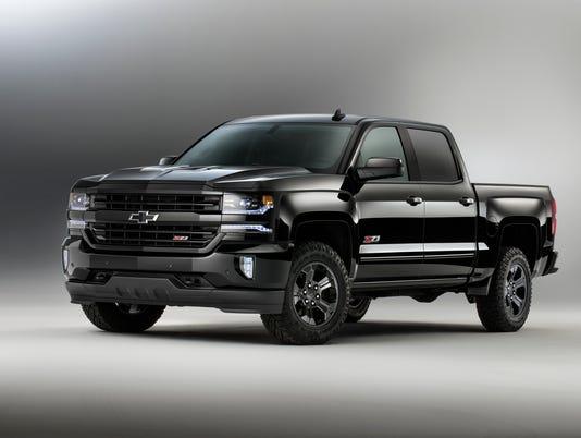 2016-Chevrolet-Silverado-Z71-Midnight-Edition-046.jpg