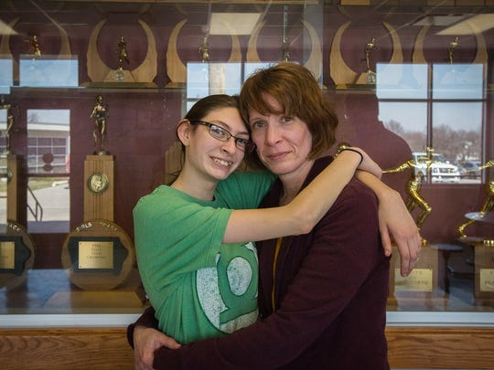 Keera Galindo, 15, of Bloomfield, Iowa, and her mother,