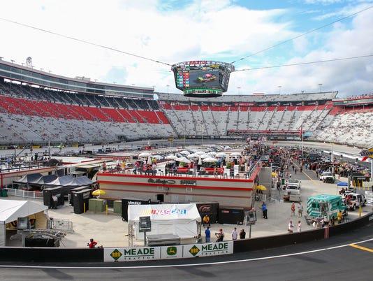 USP NASCAR: BASS PRO SHOPS NRA NIGHT RACE-QUALIFYI S CAR USA TN