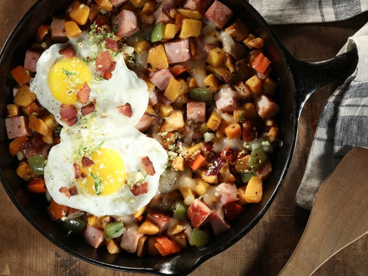 Breakfast for dinner: Make bacon hash and a maple syrup cocktail