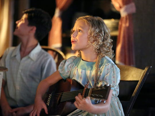 Alyvia Alyn Lind stars as a pint-sized Dolly Parton