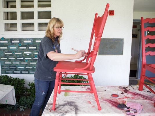 Red-Chairs-04.JPG