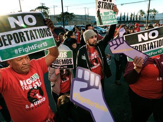 636160565958666371-Minimum-Wage-Protests-Robe-1-.jpg