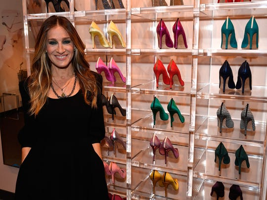 Sarah Jessica Parker shows off her first standalone