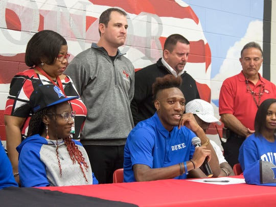 Damond Johnson signs his letter of intent to attend