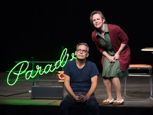 636245788617655557-Joe-Mantello-and-Sally-Field-in-The-Glass-Menagerie-Photo-by-Julieta-Cervantes-2-1-.jpg
