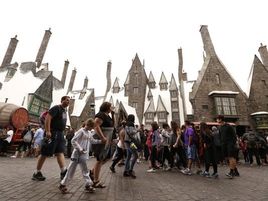 Ticket costs for theme parks climb more than for other forms of entertainment