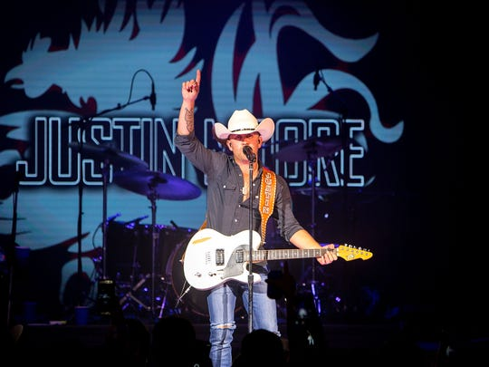 Justin Moore will be at the Mississippi Coliseum Friday.