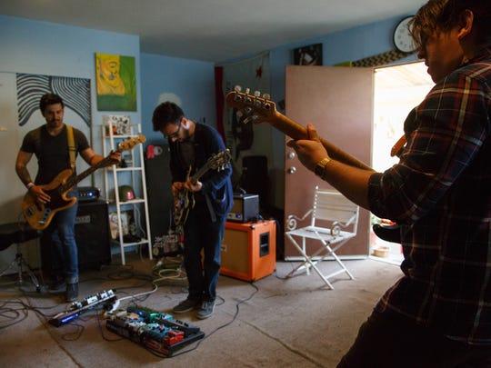 The Tribesmen practice in Coachella, Calif., Sunday,