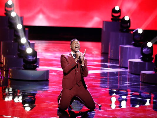 """Chris Blue performs in """"The Voice"""" Top 11"""
