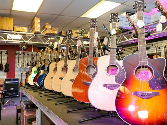 636301794355199708-Matt-s-Music-Even-more-guitars---09873.jpg