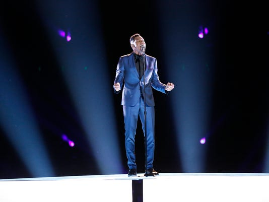 """Chris Blue sings in """"The Voice"""" semi finals"""