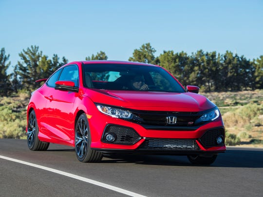 The 2017 Honda Civic Si Coupe impressed with short throws of the seamless six-speed manual, responsive throttle with peak torque coming earlier at 2,100 rpm and superlative braking.