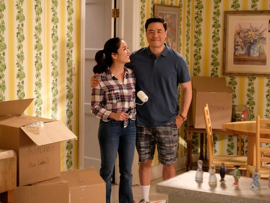 Constance Wu as Jessica and Randall Park as Louis on