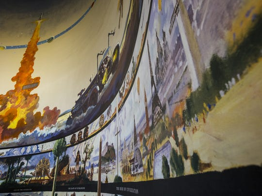 The Arizona Challenger Space Center's building has a three-story, 360-degree mural by well-known NASA artist and movie illustrator Robert McCall.