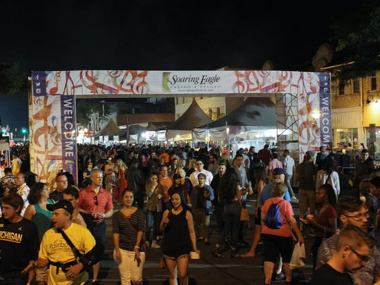 Crowds fill Washington Ave during the Ford Arts, Beats