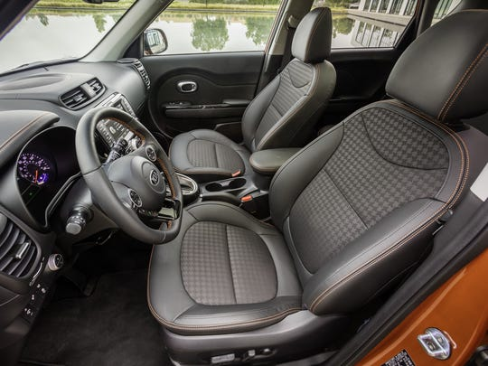 One option with the 2017 Kia Soul Turbo is a 10-way power seat with lumbar adjustments. A heated steering wheel and heated seats are too.