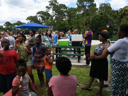 Parents, kids and teachers mingle at Trail Ridge. Teachers