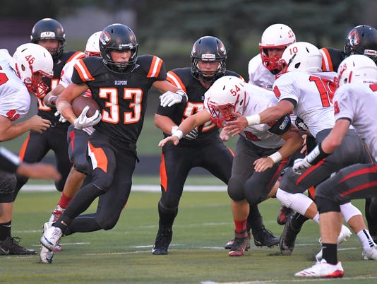 636389259652447061-OSH-Ripon-football-vs-Columbus-08182017-JK-0007.jpg