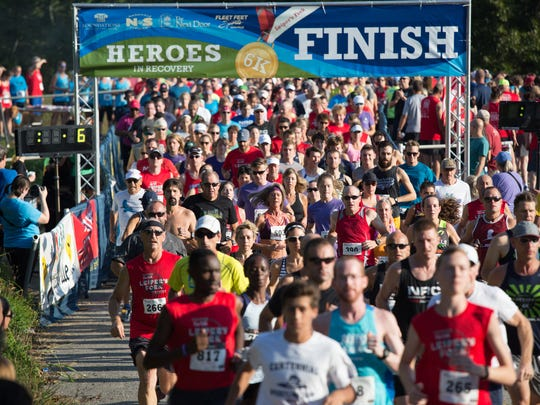 The start of the 2016 Heroes of Recovery 6K race in