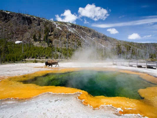 yellowstone emerald pool