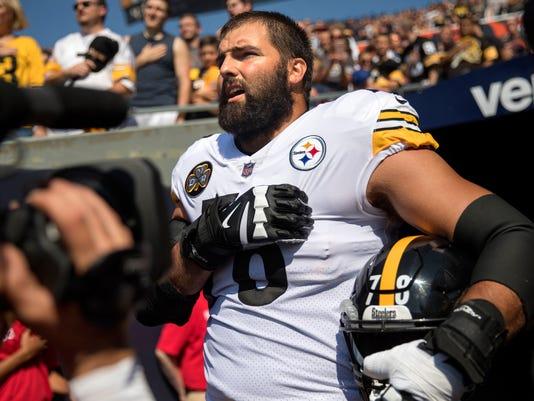 Steelers fans burn apparel after decision to skip national anthem