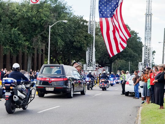 Funeral procession on University Avenue for Cpl.Michael Middlebrook. Friday, Oct. 6, 2017.